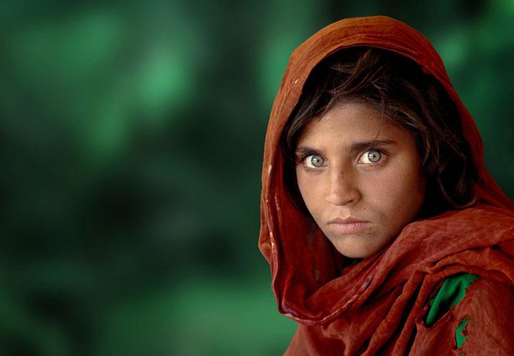 afghan girl1 1 - 8 نکته ای که هر فرد مبتدی در رشته عکاسی پرتره باید بداند