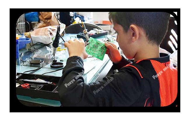 کلاس آموزش رباتیک کودکان