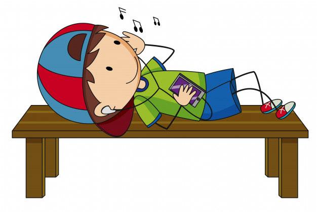 little boy listening tomusic - تاثیر موسیقی بر هوش کودکان
