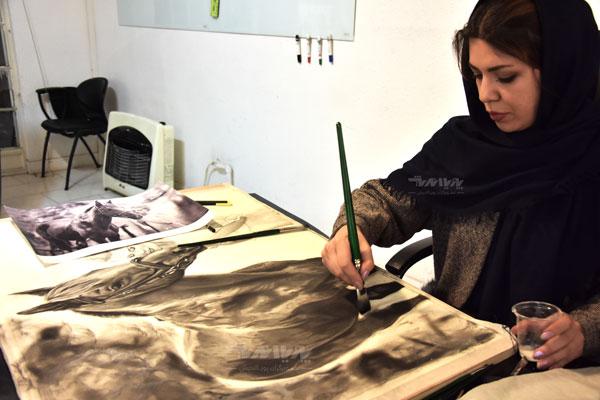 کشیدن نقاشی سیاه قلم