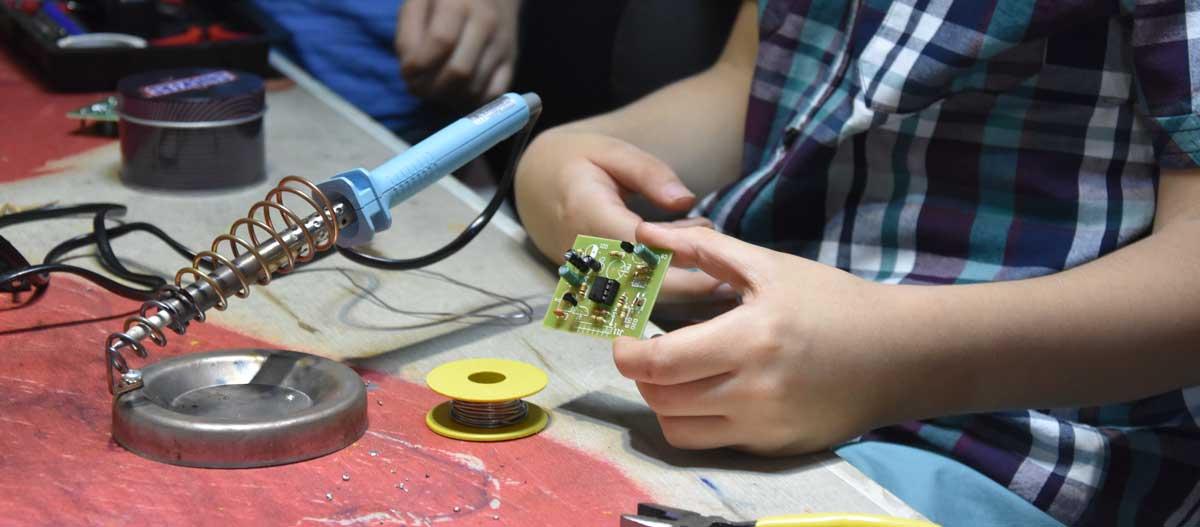 robatic 12 - آموزش رباتیک نوجوانان