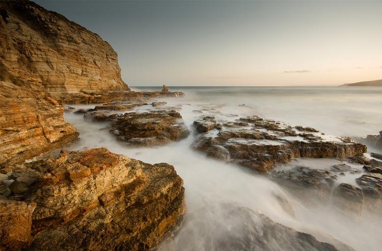 Beach - چگونهتعادل رنگ در عکاسی می تواند رنگ تان را از بین ببرد ؟