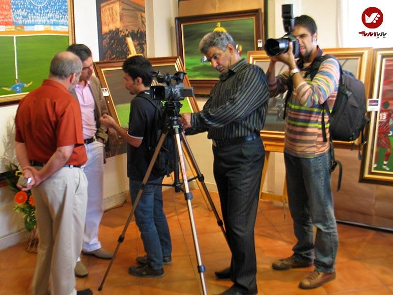 afshin ghotbi 2 - نمایشگاه آثار هنری همسر افشین قطبی ( یوروم ) در پویا اندیش