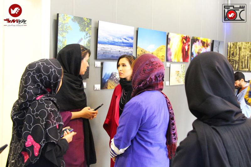 namayeshgah axasi honarjouyan pouyaandish zamin dar yek ghab 1 - نمایشگاه عکاسی زمین در یک قاب