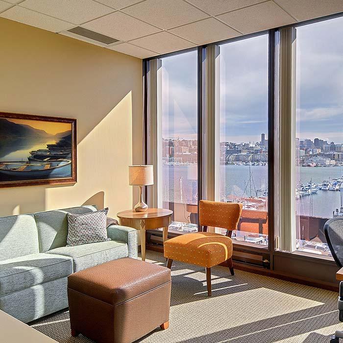 clinic interior design 14 - دکوراسیون مراکز زیبایی و درمانی