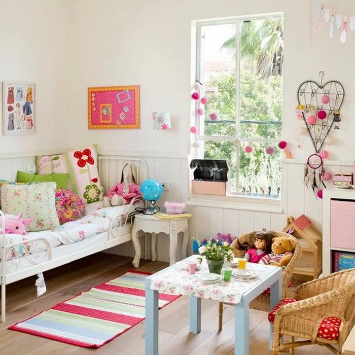 پارچه های گل گلی در دکوراسیون اتاق دخترانه