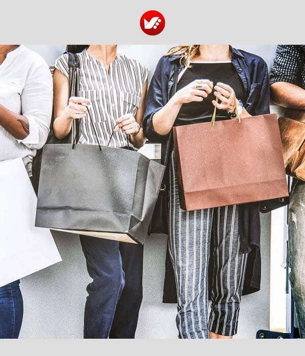 fashion blooger pouyaandish article 112 - فشن بلاگر کیست و مهارت های ویژه این حرفه چیست؟