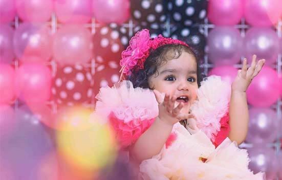 ژست عکس تولد دختر بچه